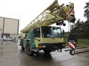 Żuraw dźwig samojezdny Liebherr LTM-1030